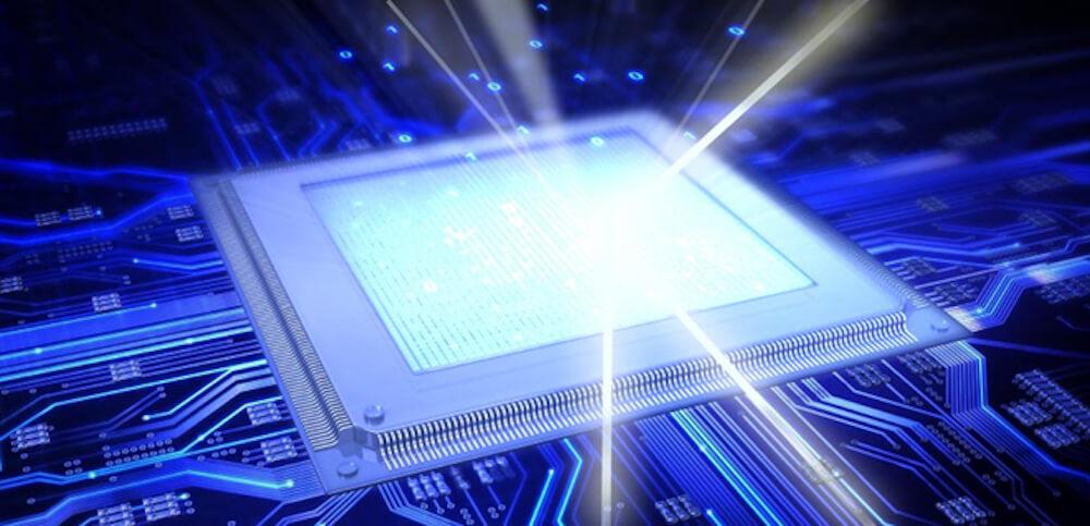 Hewlett Packard создали фотонный процессор с тысячей компонентов на чипе (2 фото)