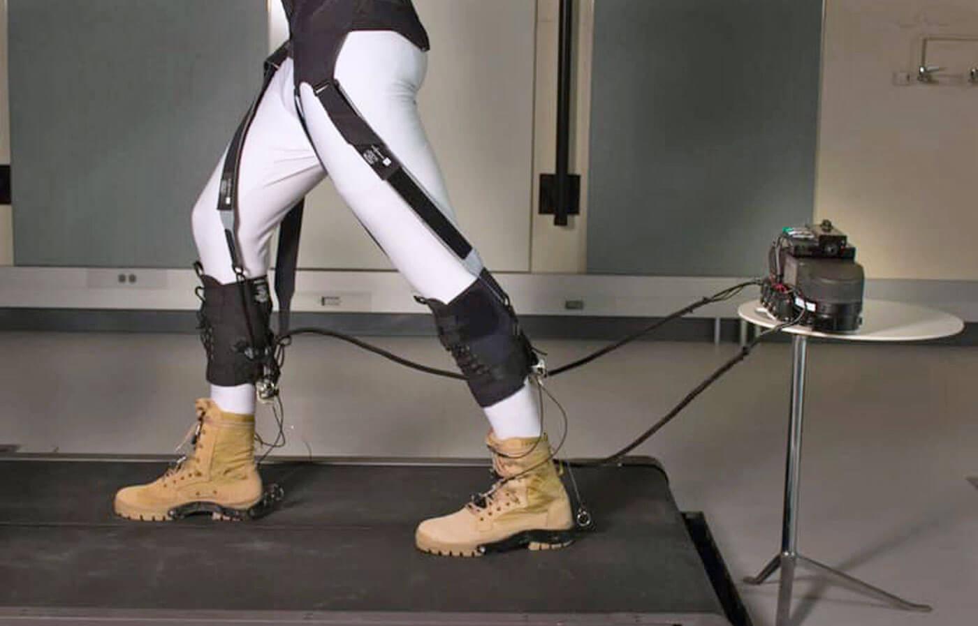 В Гарварде разработан мягкий экзоскелет, облегчающий ходьбу