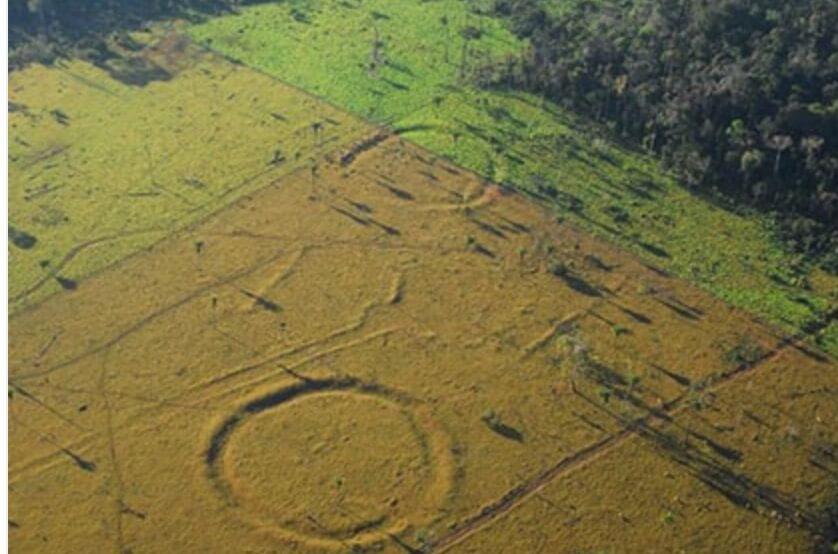 В Бразилии обнаружены десятки древних строений, похожих на Стоунхендж (2 фото)