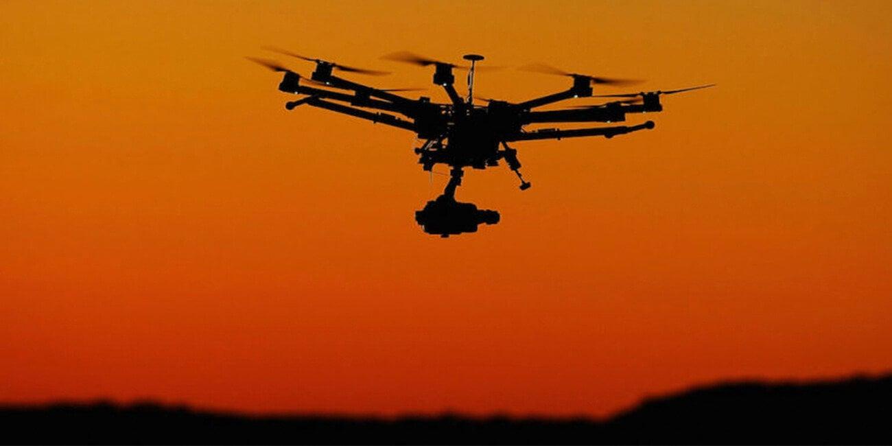 дрон искусственным интеллектом научился обходиться gps