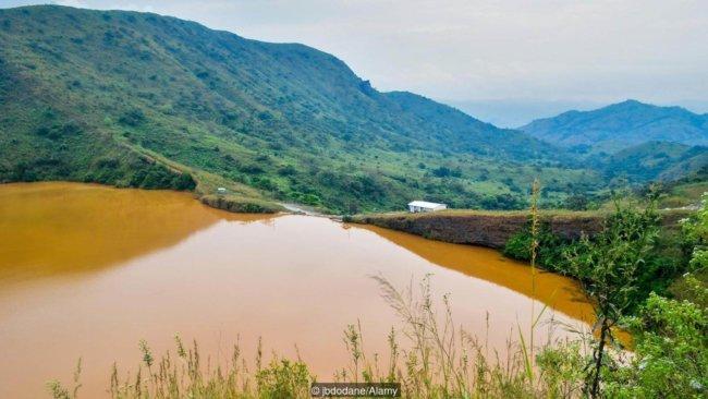Огонь, вода, воздух, земля: самые опасные для жизни места на Земле (9 фото)