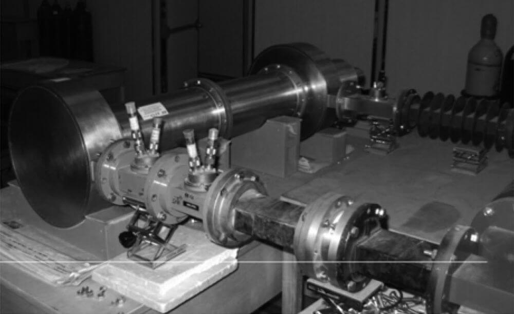 Уничтожает танки иракеты: вКитае создали переносную микроволновую пушку