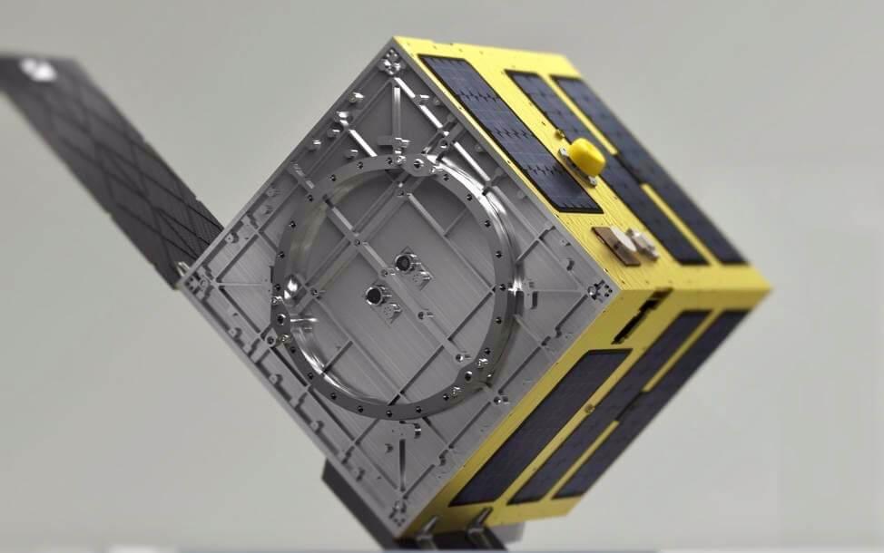 Спутник-мусорщик разработали в Сингапуре
