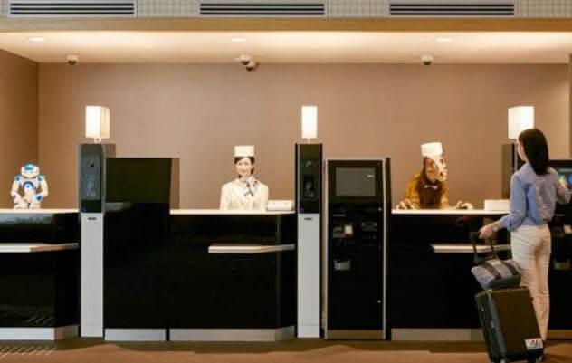 5b futuristic hotel with robots - 10 футуристических версий привычных мест