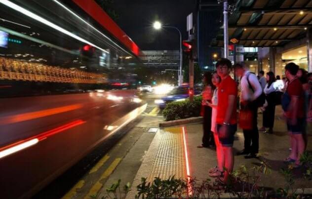 9 led traffic curb strips - 10 футуристических версий привычных мест