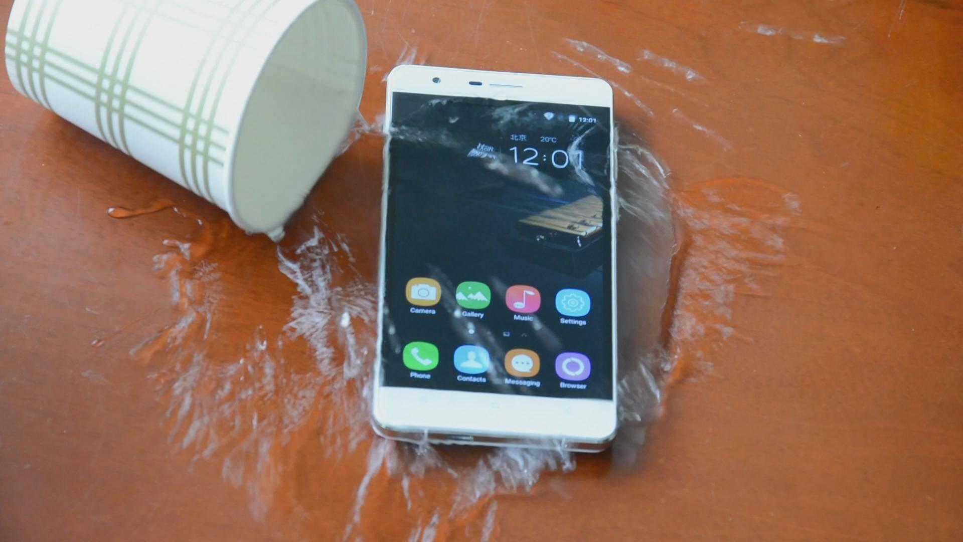 Oukitel называет K10000 Pro «королем» среди смартфонов-долгожителей