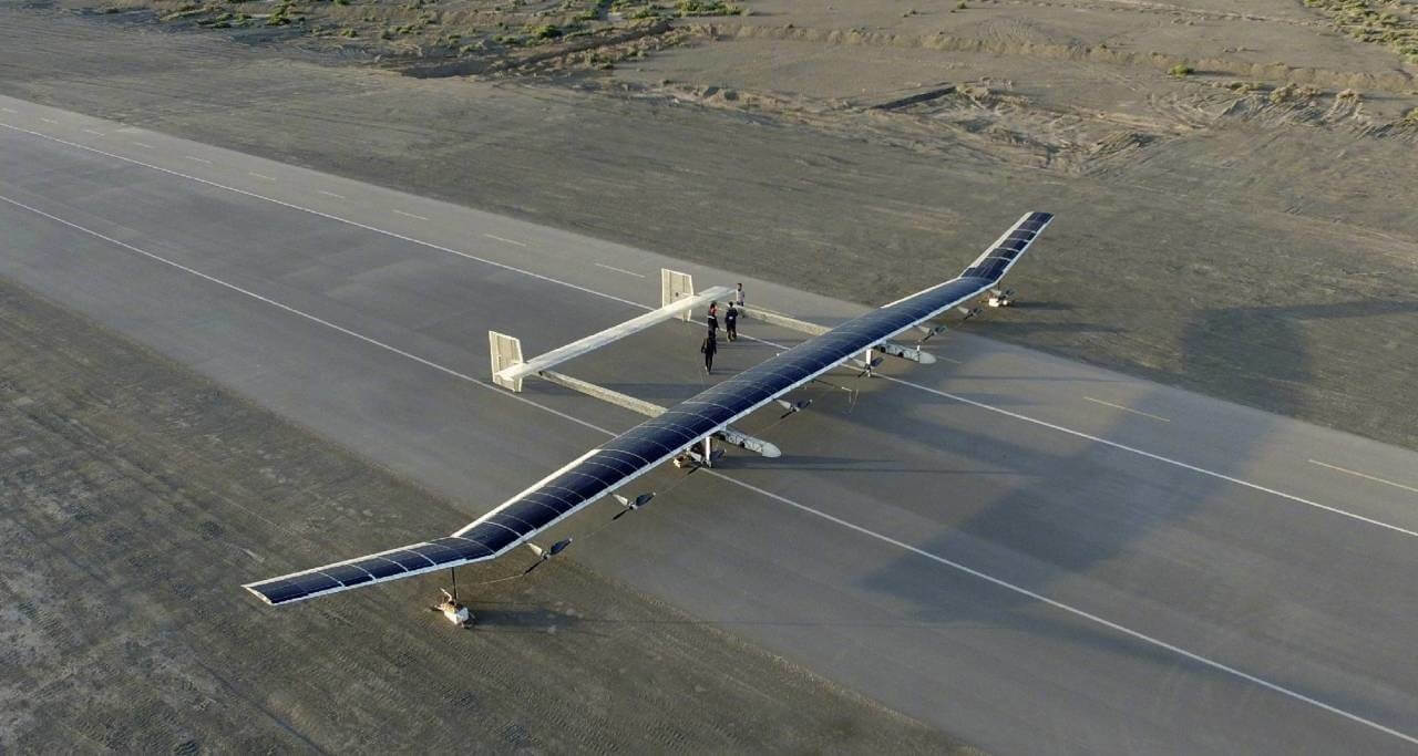 Представлен беспилотник на солнечных батареях, способный летать несколько месяцев (3 фото)
