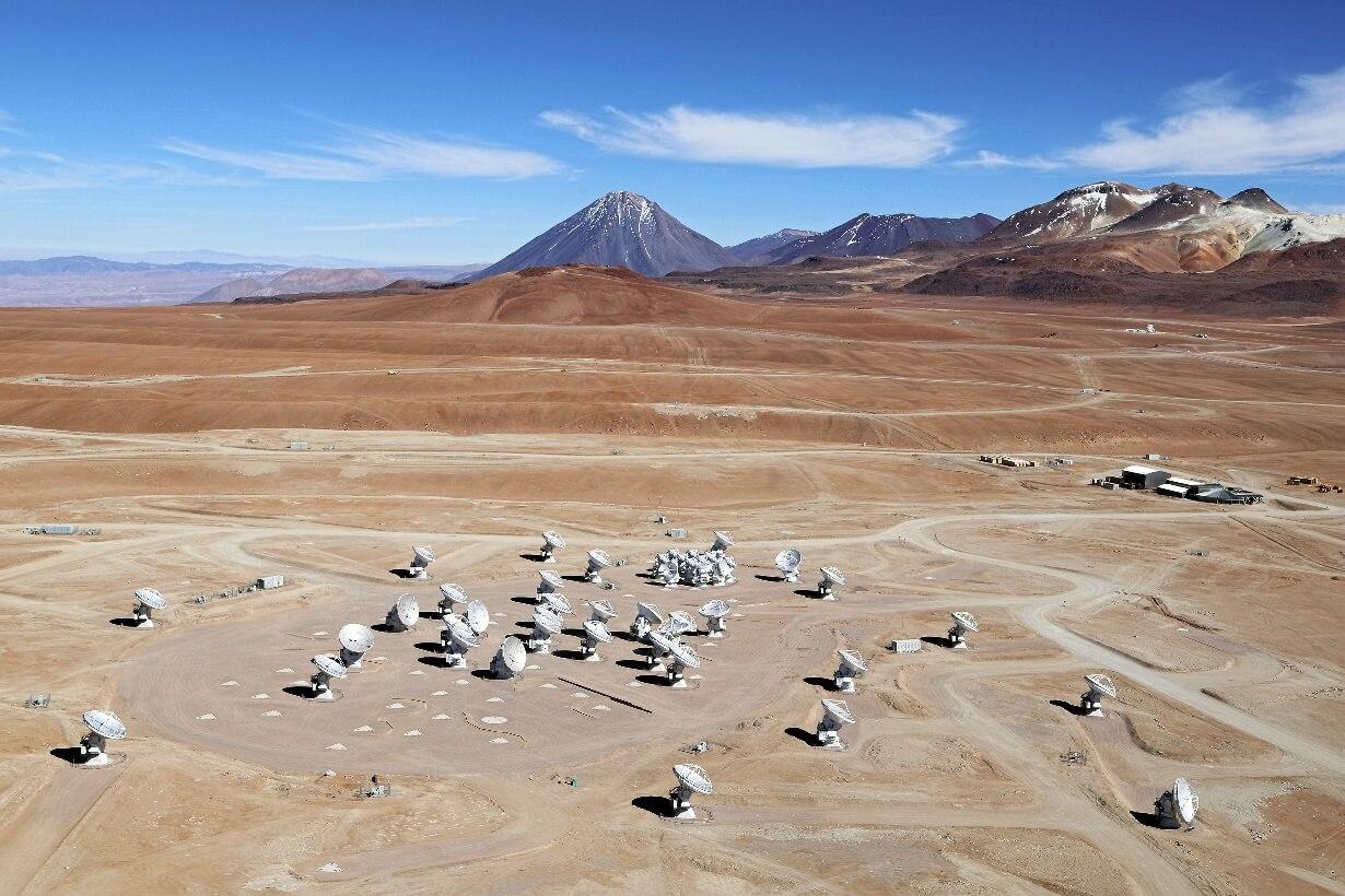 ALMA - Астрономы получили самый детализованный снимок поверхности далекой звезды