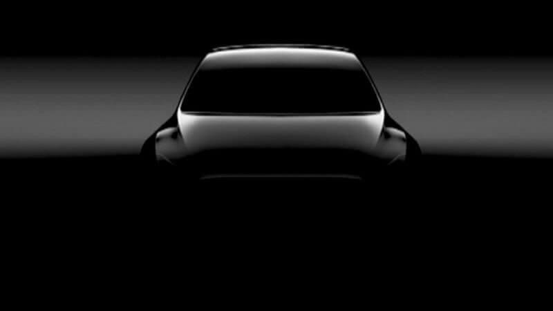 DBsUg8UXkAEllab - Глава Tesla рассказал о будущем кроссовере