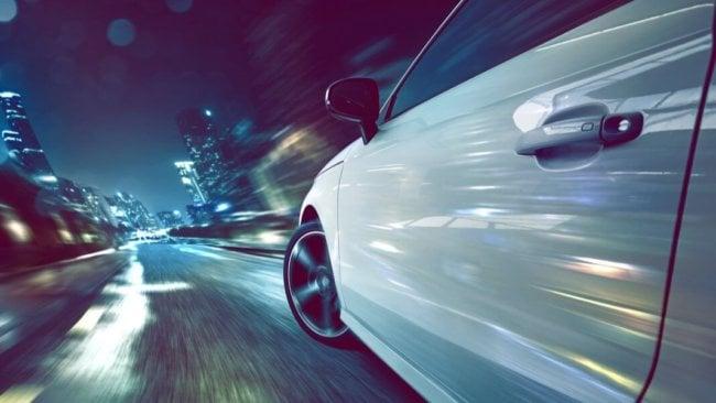 Электромобили должны заряжаться на ходу, но как?