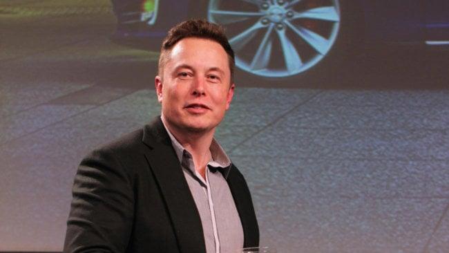 Илон Маск пообещал быстро создать самый большой в мире литий-ионный аккумулятор