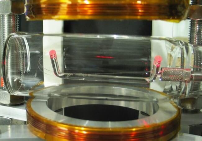 bragg mirror - 10 невозможных вещей, ставших возможными благодаря современной физике