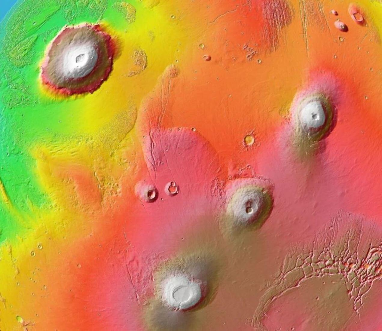 Молодые вулканы Марса могли поддерживать жизнь (4 фото)