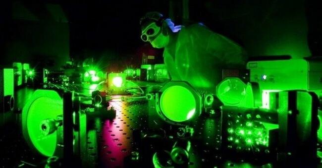 superbright light - 10 невозможных вещей, ставших возможными благодаря современной физике