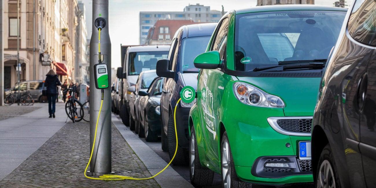 Стартап Ubitricity отыскал способ заряжать электромобили отуличных фонарей