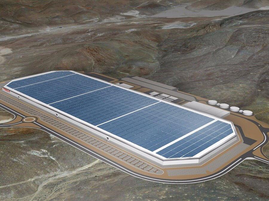 Tesla будет тестировать фуру-беспилотник впустыне