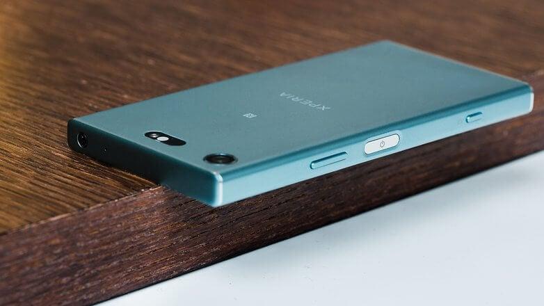 Sony представила Xperia XZ1, XZ1 Compact и XA1 Plus в России