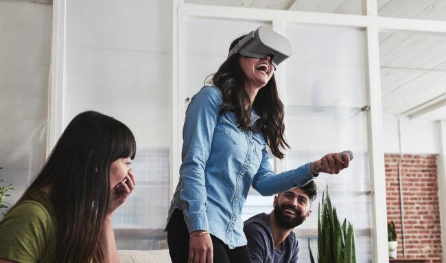 Oculus представила шлем виртуальной реальности за200 долларов