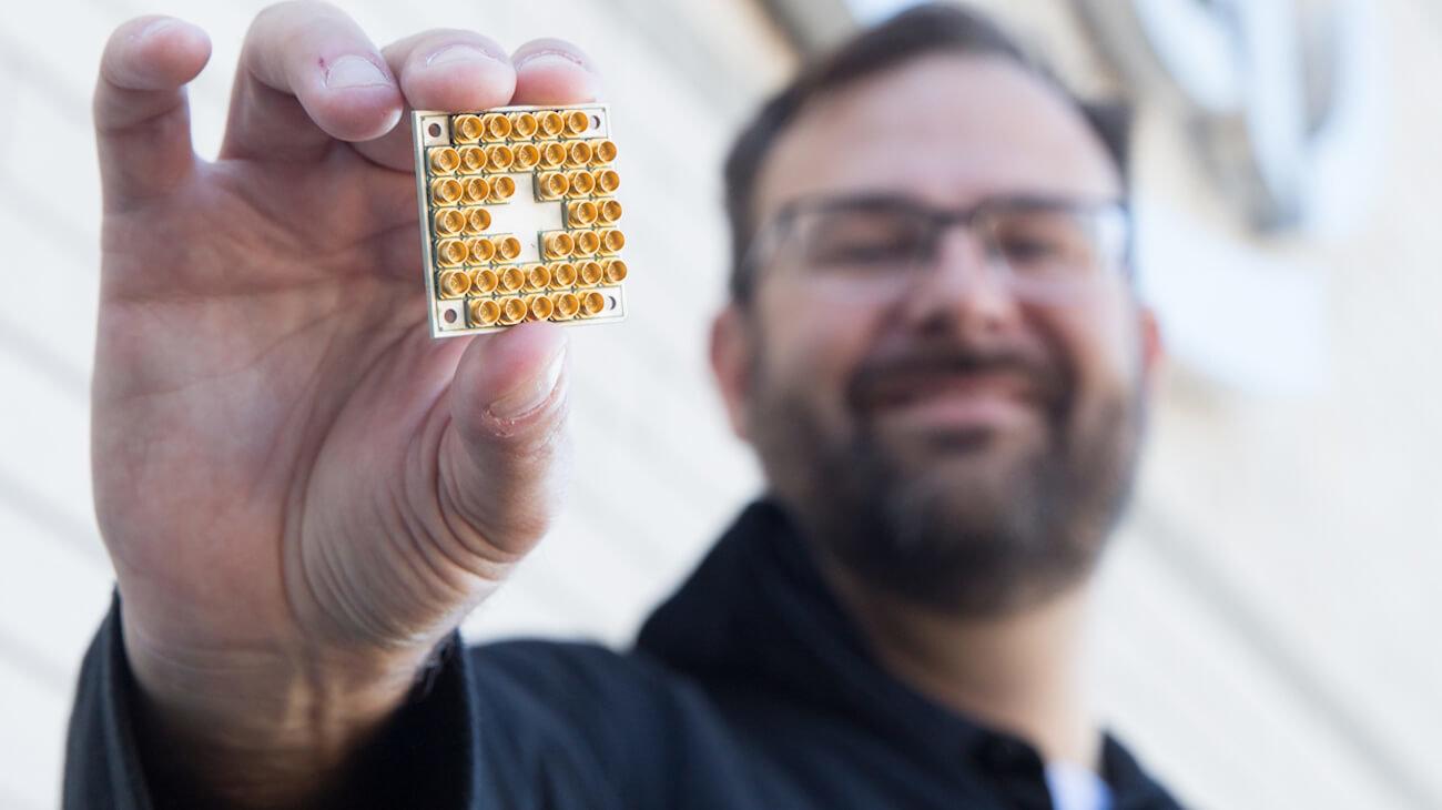 Компания Intel представила рабочий 17-кубитный квантовый чип
