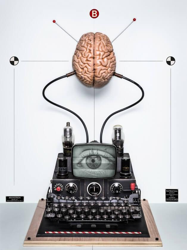 Взломать человеческий мозг: грандиозный план Брайана Джонсона (6 фото)