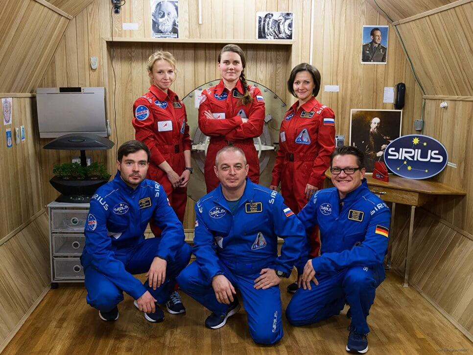 Участники лунного эксперимента SIRIUS через 17 дней «вернулись на Землю»