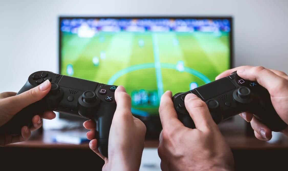 Совбез России поручил ФСБ и Минкомсвязи разработать закон о запрете анонимности в онлайн-играх, пишет «РБК»