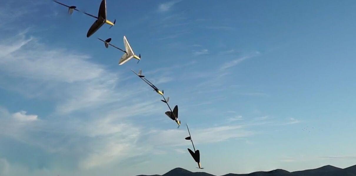 Дрон AquaMAV умеет погружаться в воду, выныривать и продолжать полёт