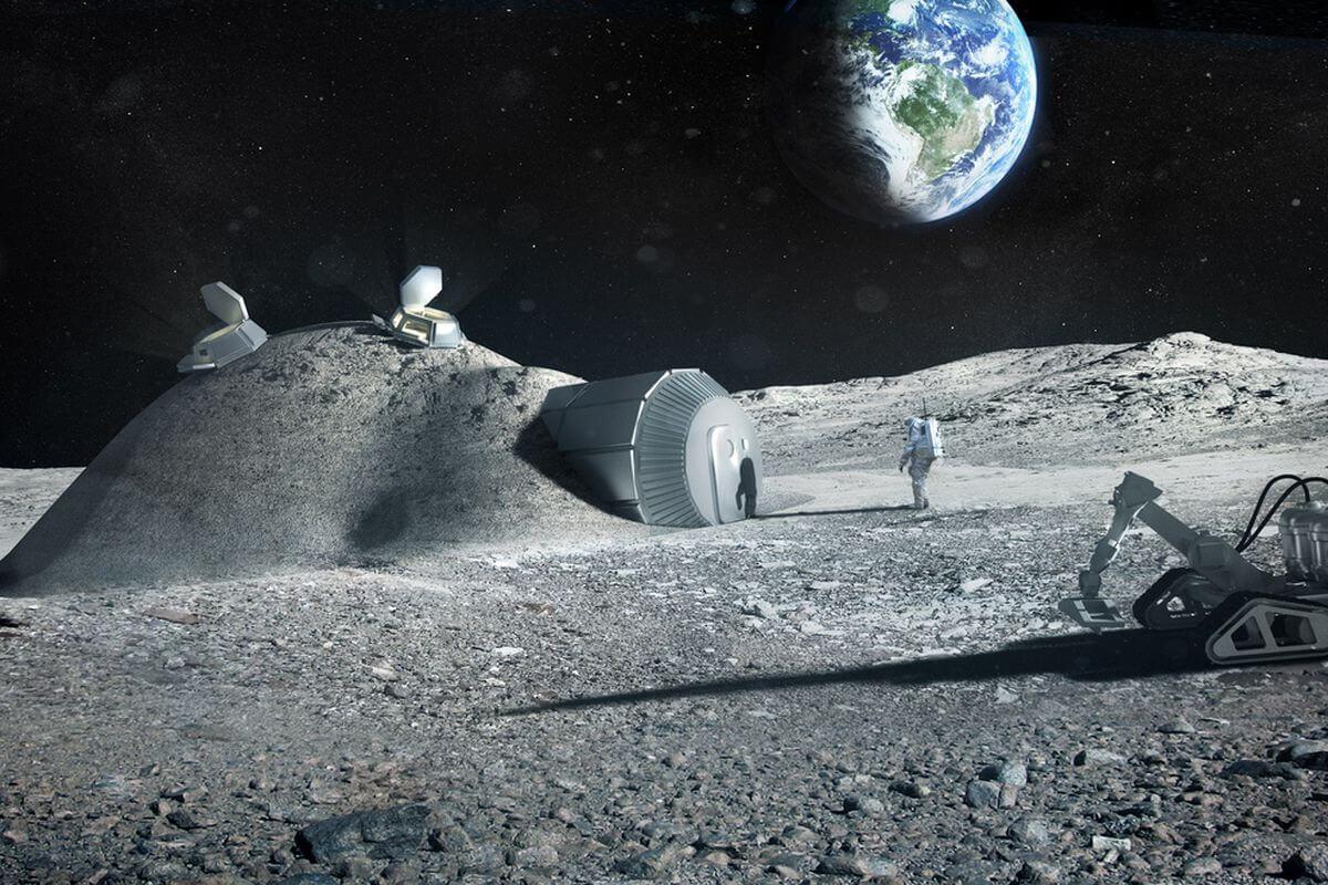 Последнее открытие на Луне повышает шансы создания лунной базы, считают эксперты