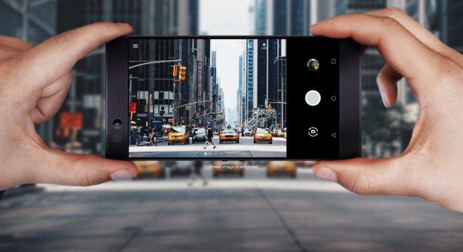 Компания Razer представила первый смартфон для геймеров