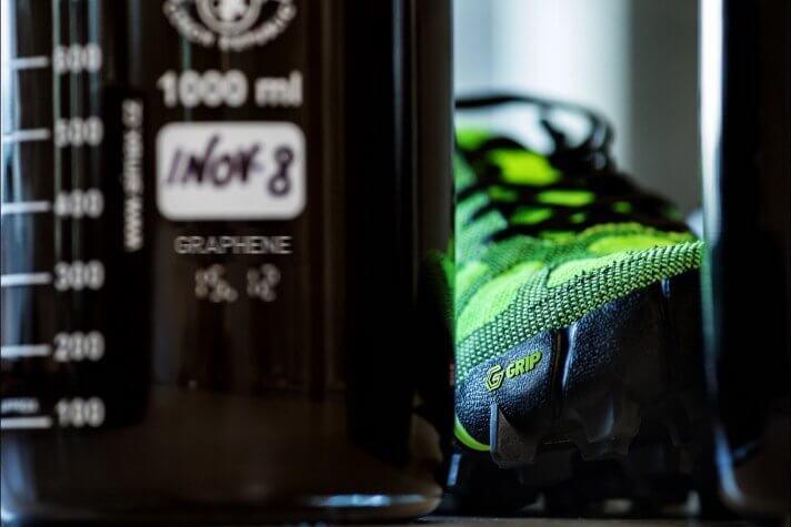 В Великобритании представили вечные кроссовки с графеновой подошвой (2 фото)