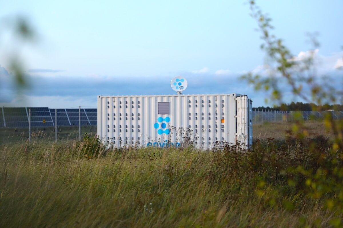 Передвижная майнинг-ферма и мутное ICO