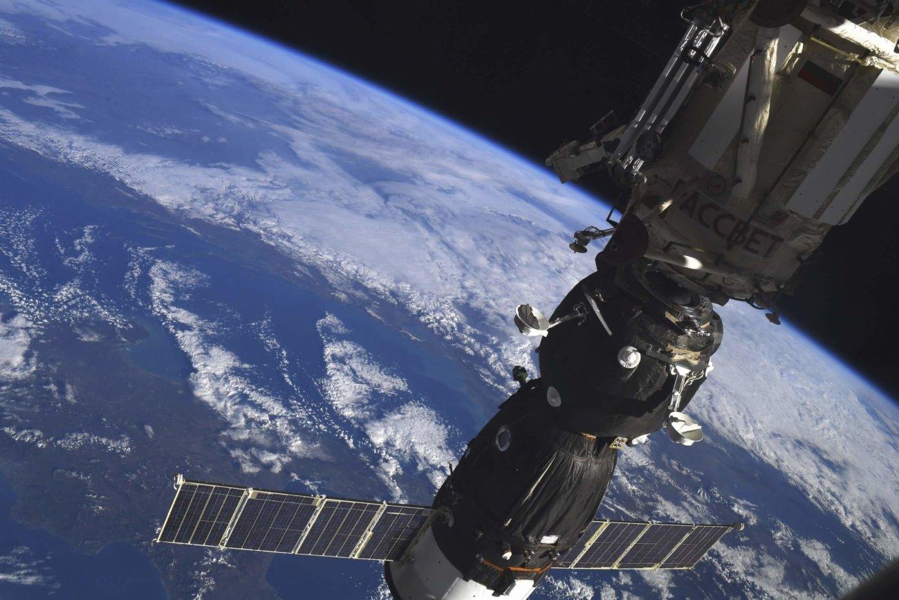 Пилотируемый корабль «Союз МС-07» успешно доставил космонавтов на МКС