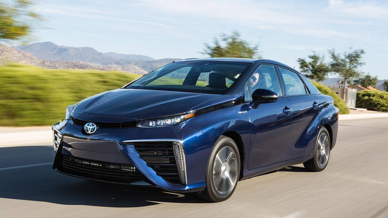 Toyota полностью откажется от автомобилей с ДВС