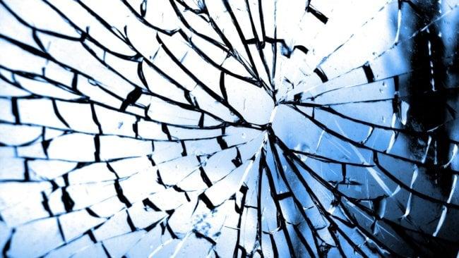 Самовосстанавливающееся стекло для телефонов: прощайте, разбитые экраны!