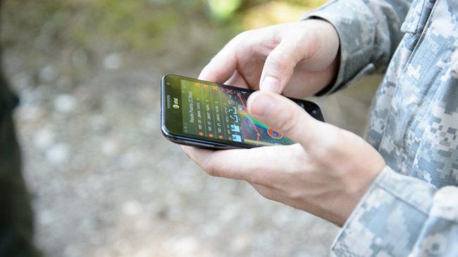 ВИзраиле военные получили боевые мобильные телефоны
