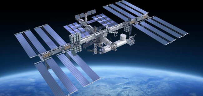 Boeing и SpaceX приступят к доставке астронавтов на МКС в 2019 году