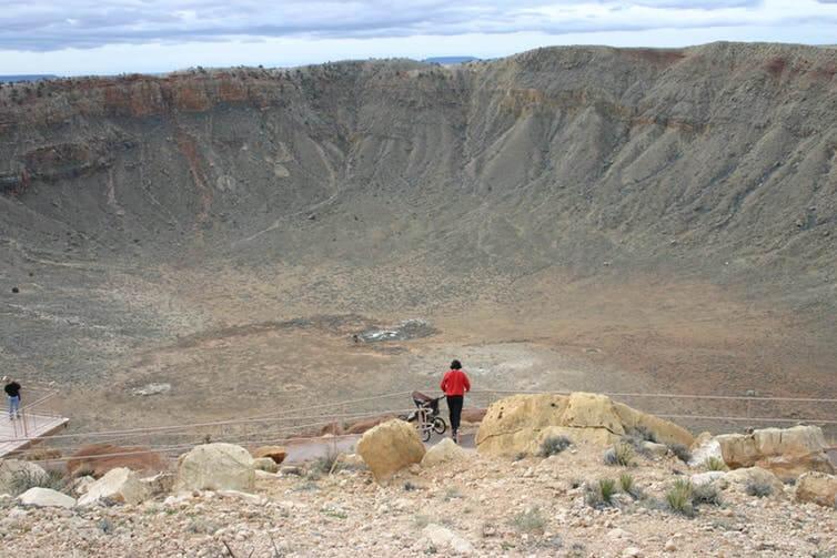 Большой астероид уничтожил динозавров. А на что способен астероид поменьше?