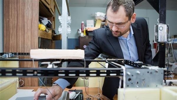 Физики Томского государственного университета разрабатывают левитационный 3D-принтер (2 фото)