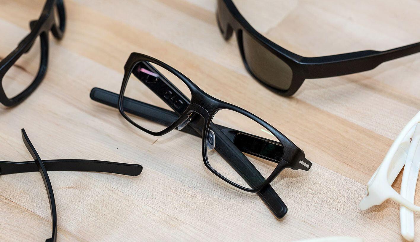 Intel представила умные очки Vaunt, практически неотличимые от обычных