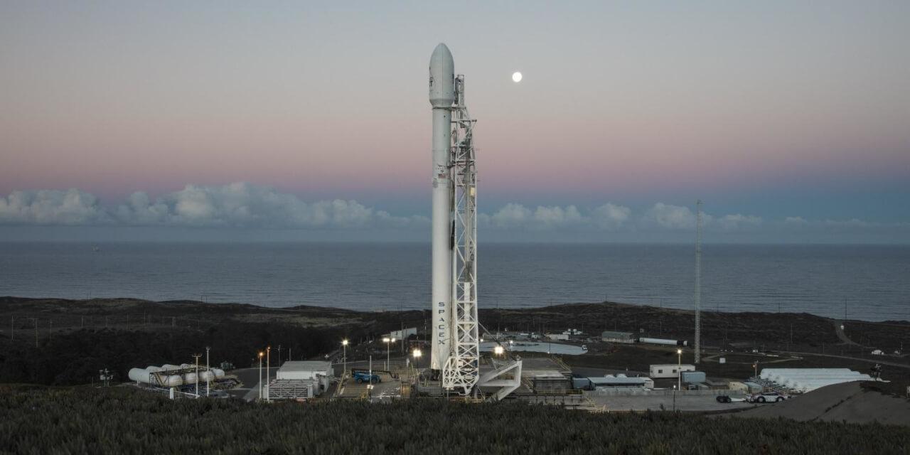 SpaceX попробует поймать часть своей ракеты с помощью гигантской сети