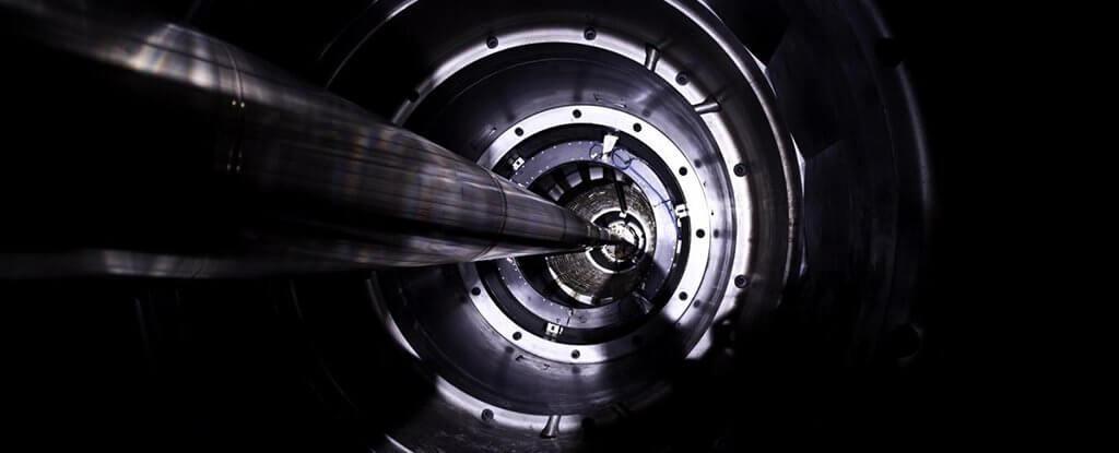 Физики обнаружили первые реальные следы теоретической квазичастицы оддерона
