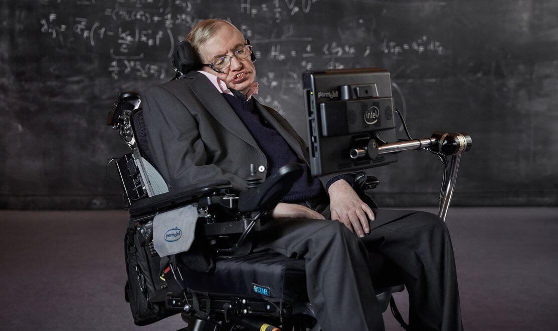 В возрасте 76 лет скончался физик-теоретик Стивен Хокинг