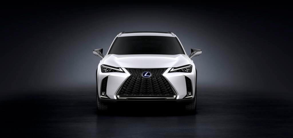 Lexus представил технологичный компактный кроссовер UX