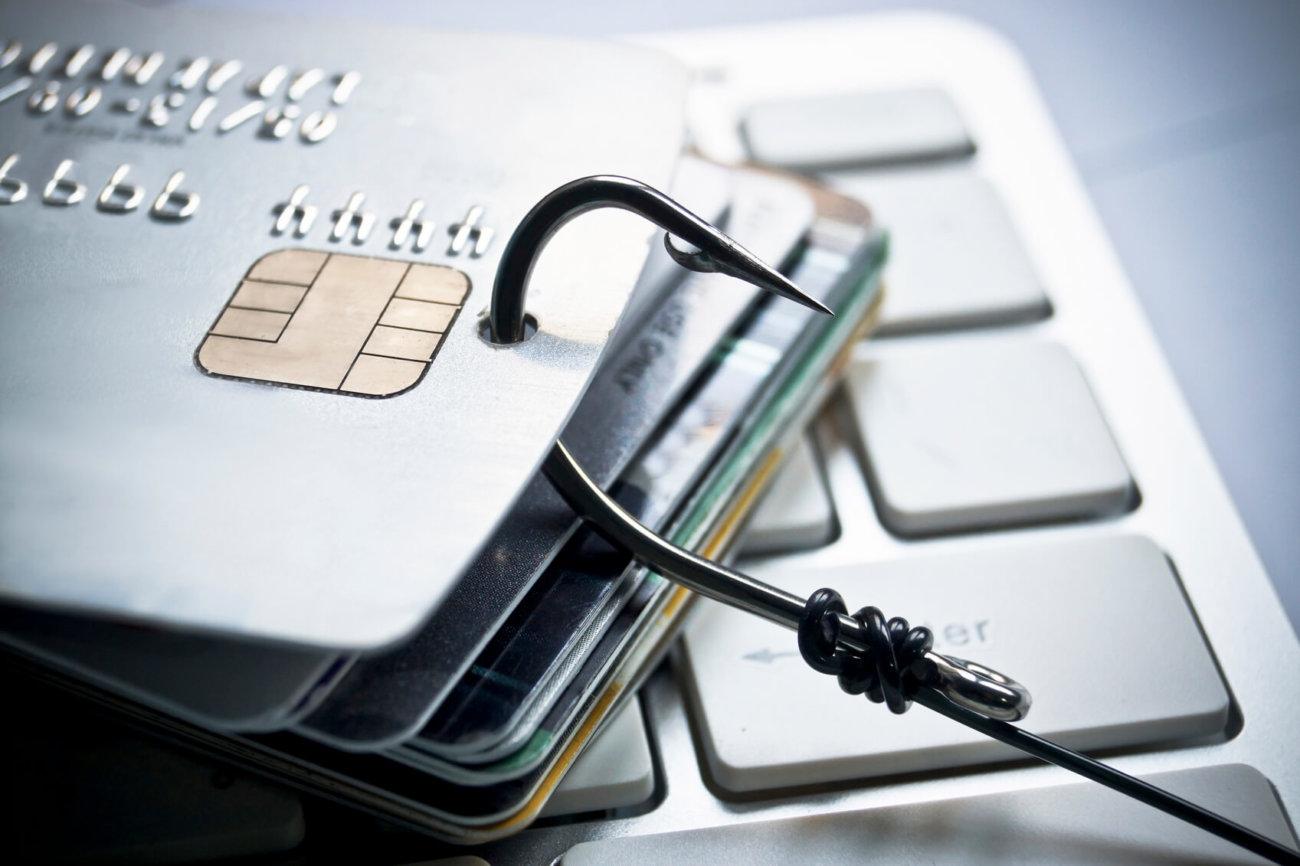 Новый Android-вирус перехватывает звонки в банк