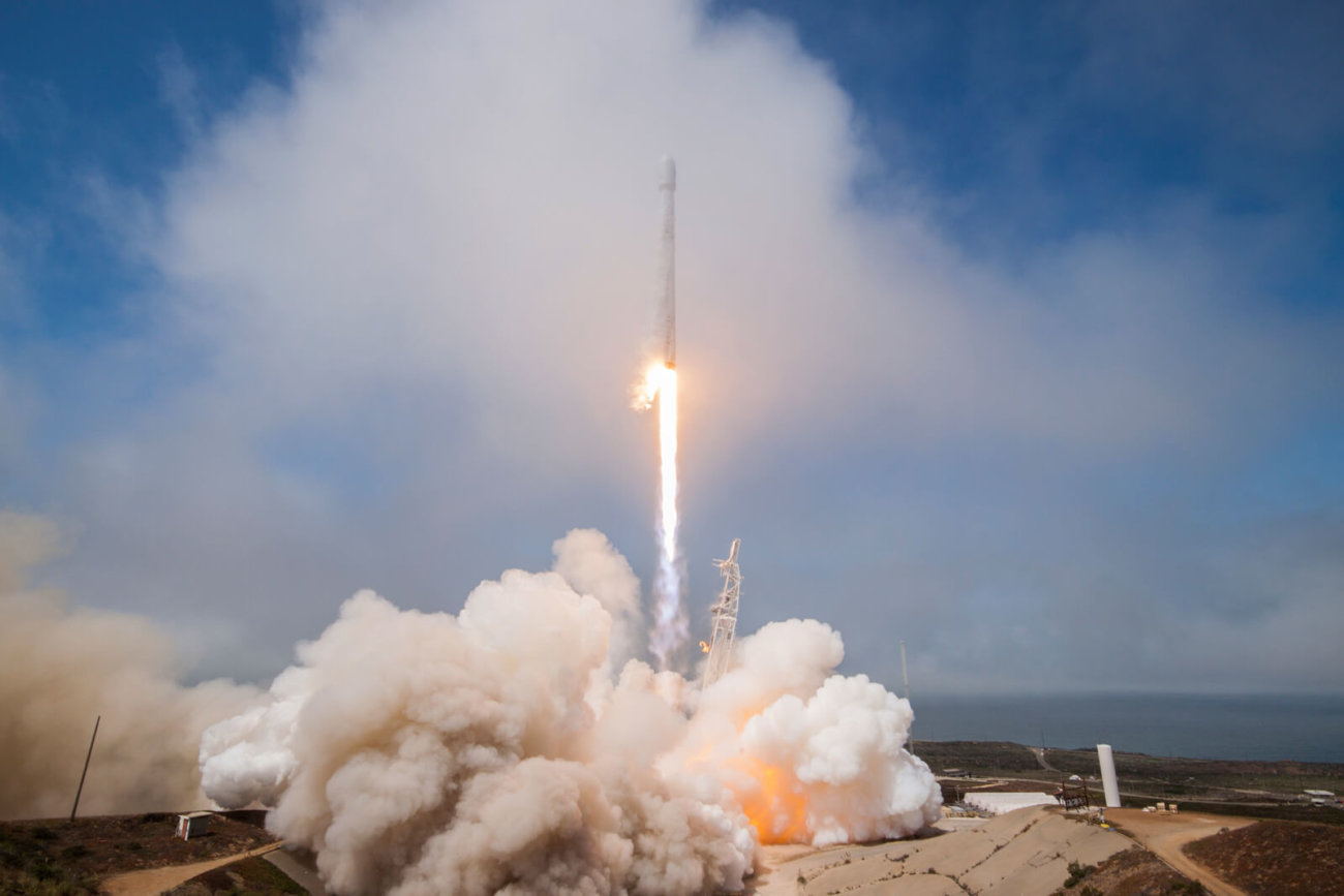 Ракета SpaceX пробила дыру в ионосфере Земли в августе 2017 года