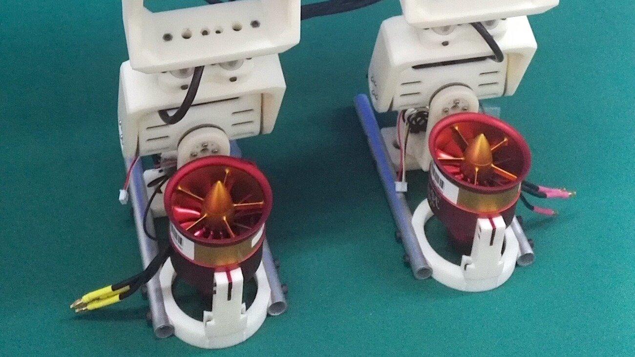 Jet-HR1: робот, который поддерживает равновесие при помощи пропеллеров