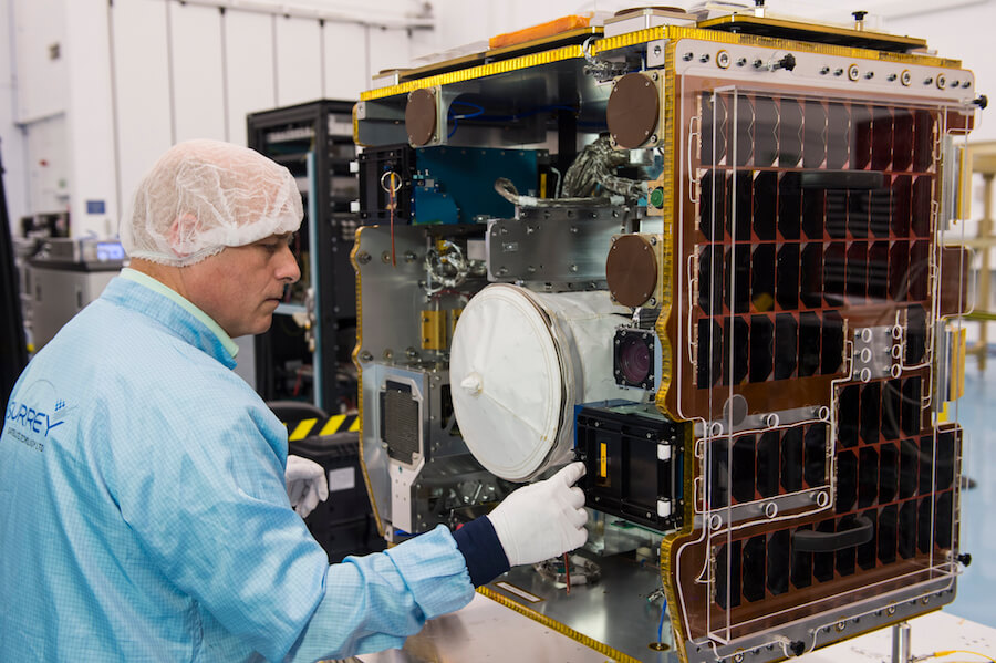 На МКС отправили прототип уборщика космического мусора