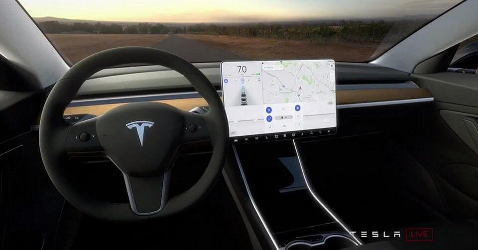 tesla - Владельца Tesla на полтора года лишили прав за брошенный руль