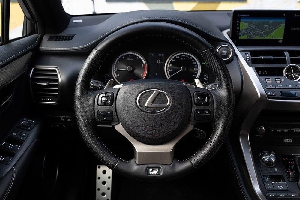 Из Цюриха в Милан: тест-драйв обновленного Lexus NX