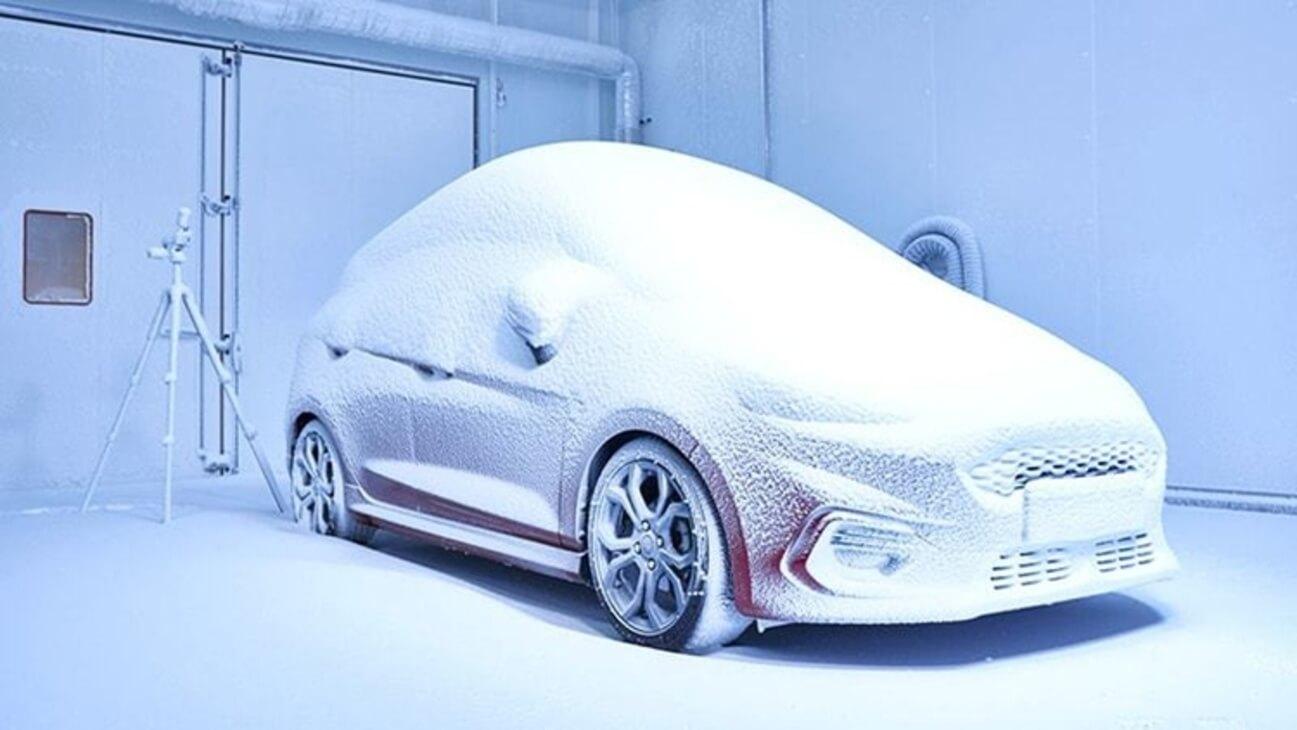 Компания Ford показала, как работает центр симуляции погоды